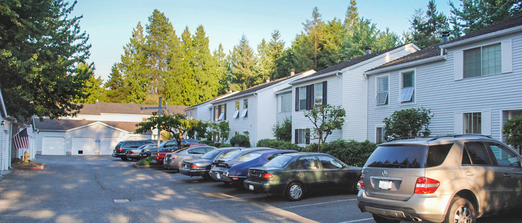 Heritage Townhomes - Apartments in Bellevue, WA